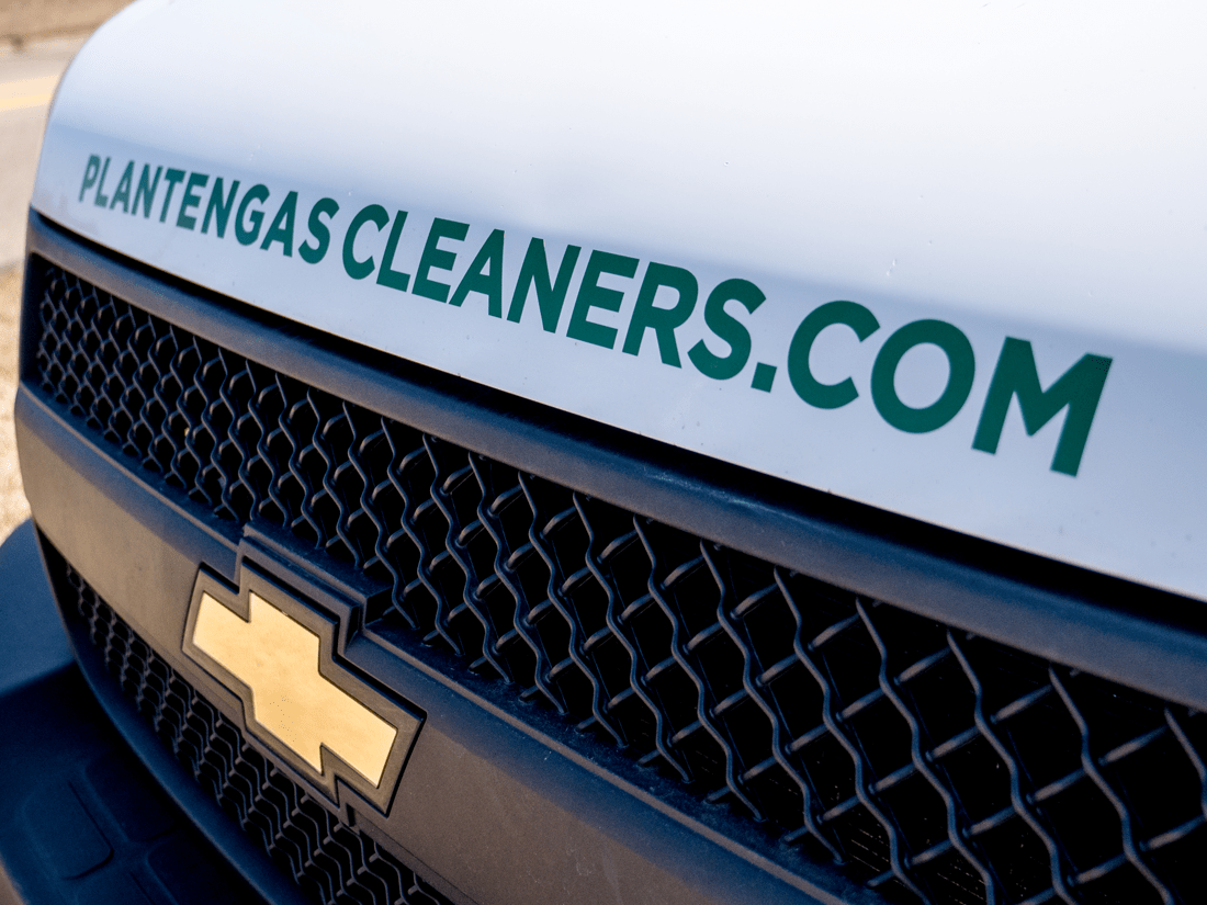 Plantenga Cleaners Hood Lettering