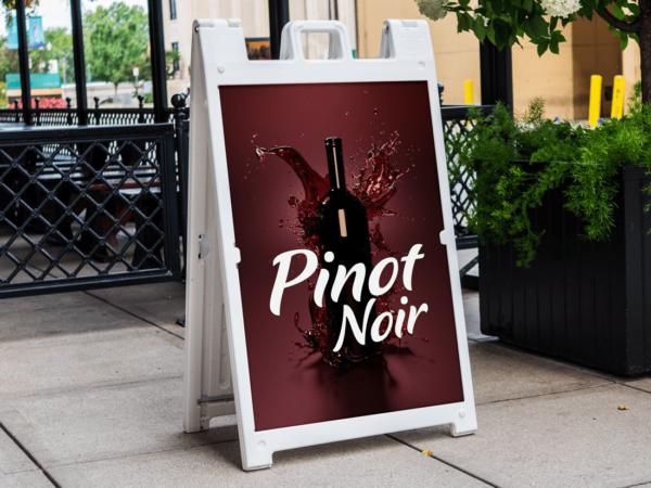 Pinot Noir Wine Signicade