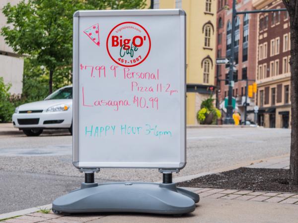 Bog O Cafe Water Base Sign
